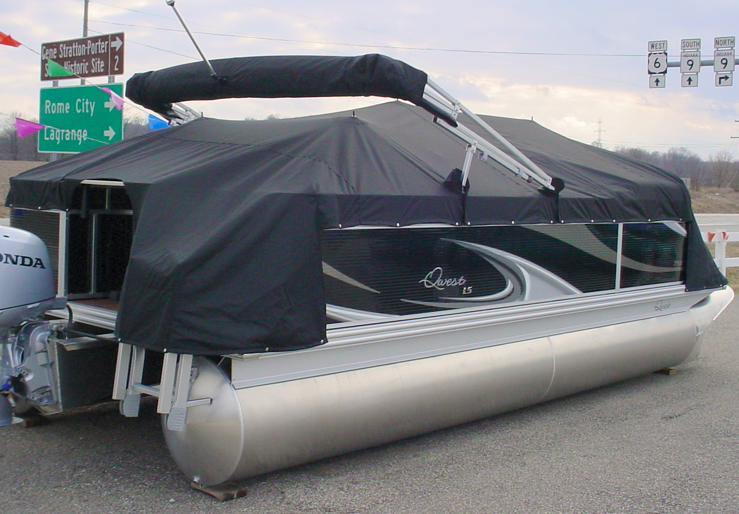 Dsc00045 angola canvas boat covers for Boat lift motor cover
