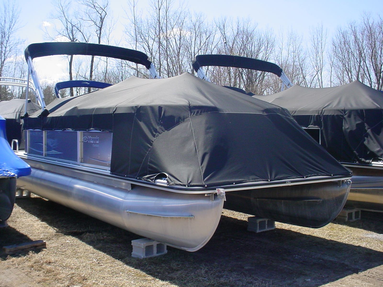 Dsc00057 angola canvas boat covers for Boat lift motor cover